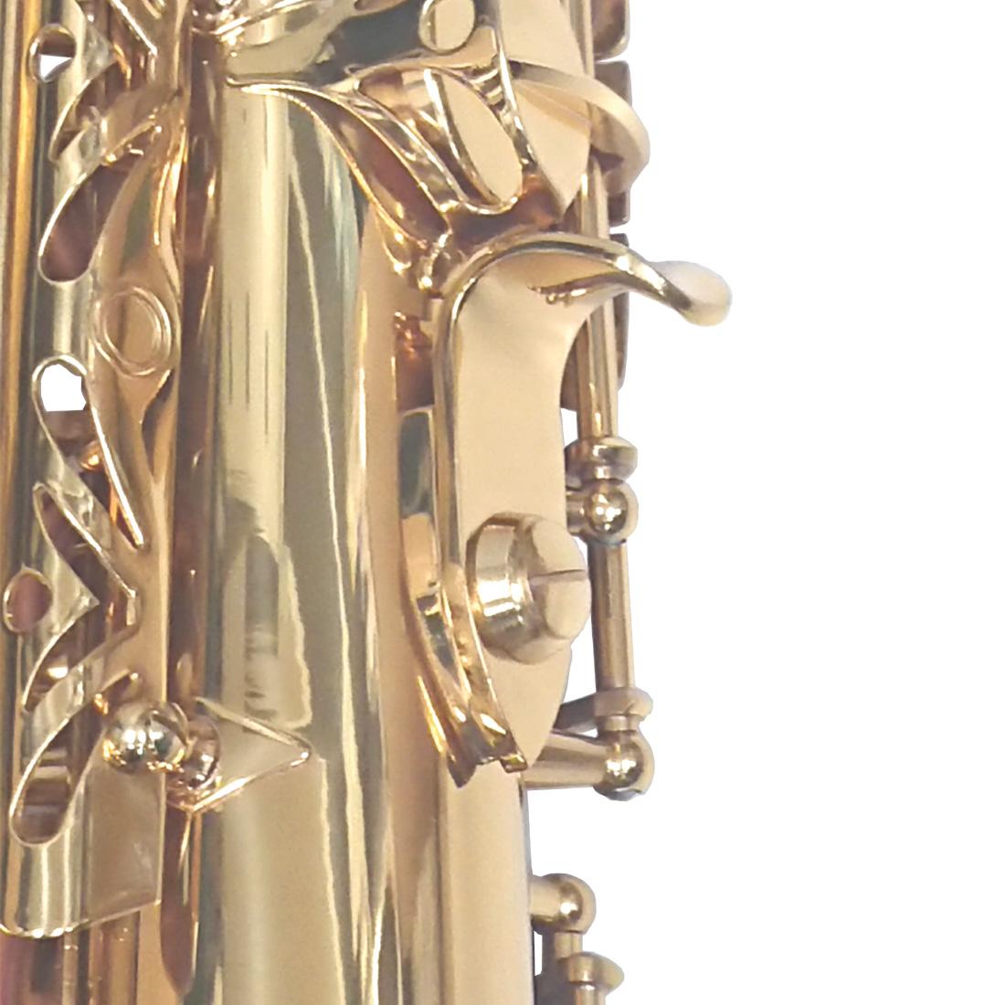 サムフックは真鍮製の為、滑らかな吹き心地です。