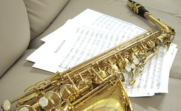 <span>安心の品質管理</span>お届けする楽器は、1本1本丁寧に調整して発送いたします。
